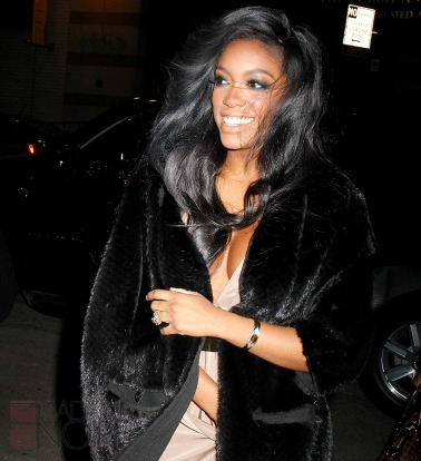 Porsha williams shows off her real hair hair extension magazine if youve seen porsha williams for any length of time you know that the girl stays with a weave long ones whether shes doing farrah fawcett curls big pmusecretfo Gallery